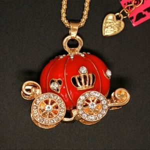 NWT•Red pumpkin princess carriage long necklace